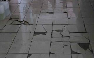 Простые советы: как заменить одну плитку на полу