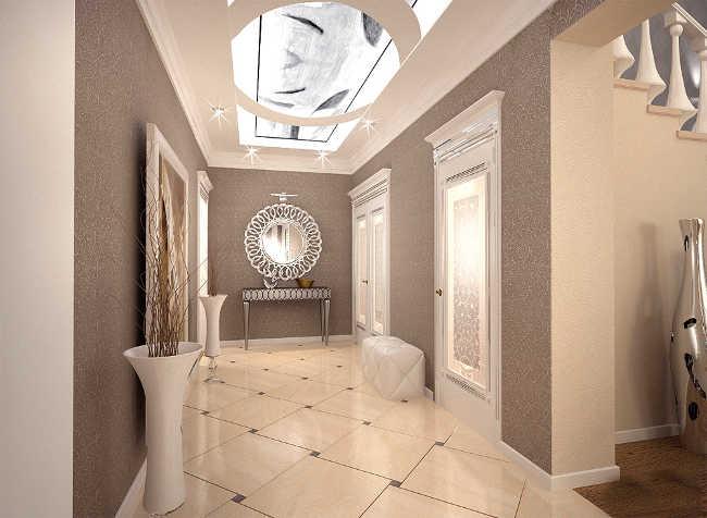 глянцевая плитка на полу в коридоре