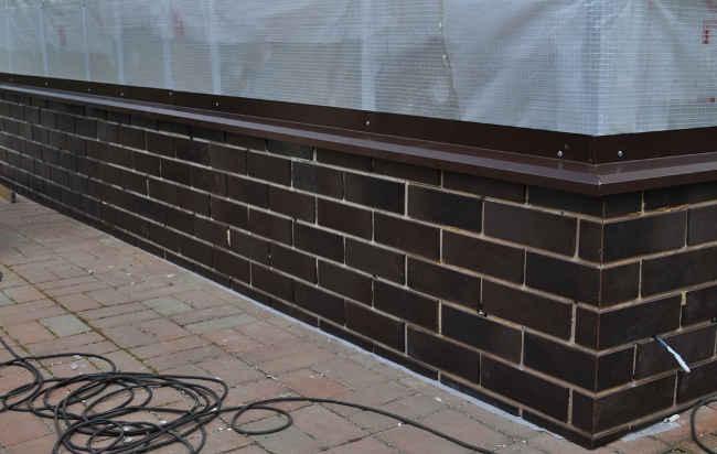 Клинкерная плитка для облицовки цоколя здания