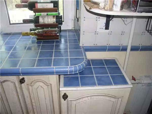 Кафель - отличное украшение кухонной столешницы
