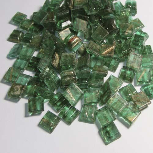 отдельные элементы обработанного стекла называются мозаичными чипами
