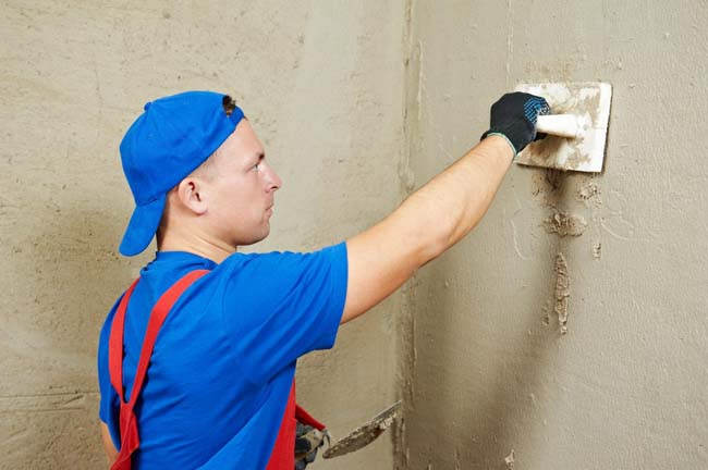 подготовка стены перед нанесением клея