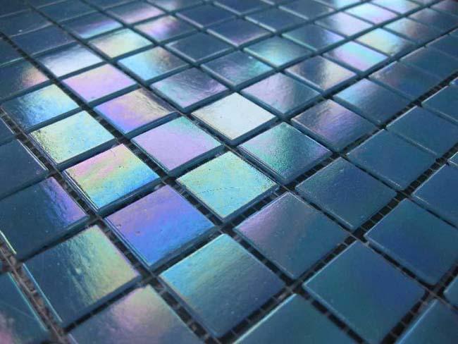 стеклянная плитка для бассейнов расположенных на улице