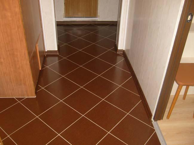 диагональная кладка в коридоре