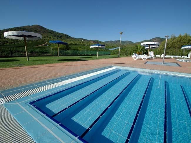 просто красивый бассейн
