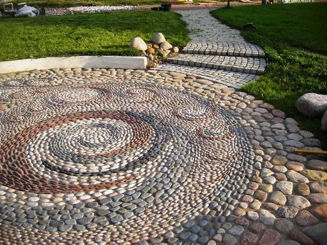 мозаика из камня (необработанная галька)