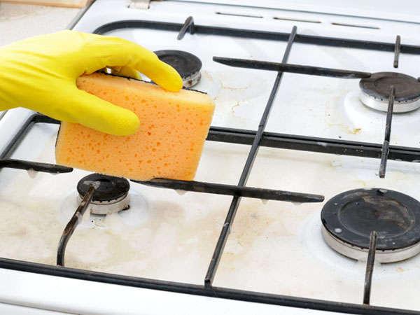 хорошая хозяйка всегда вымоет свою плиту