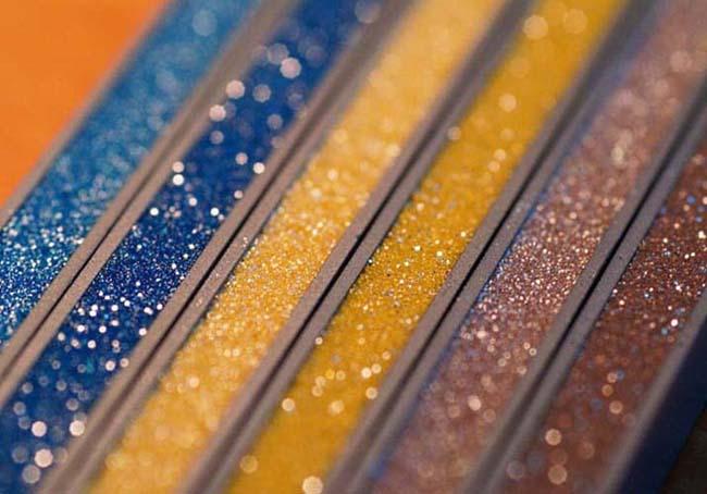 пример различных цветовых оттенков затирки