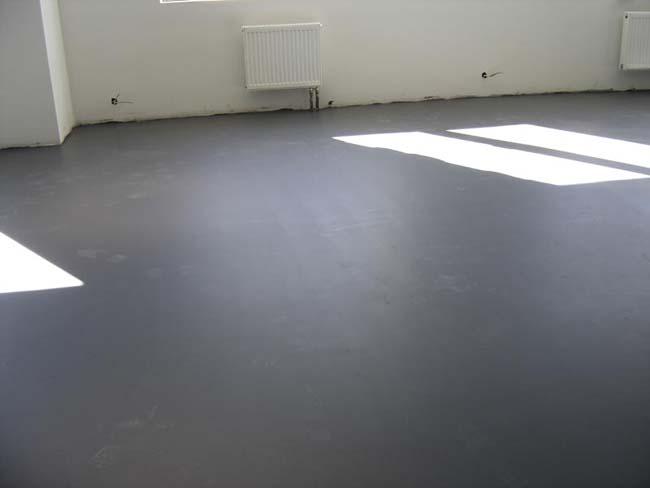 стяжка на полу из наливного пола