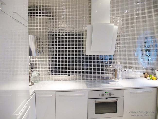 зеркальная мозаика на кухне