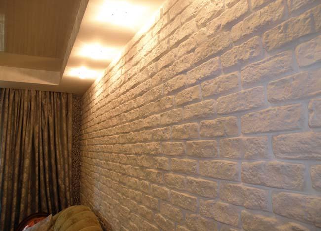 отделка стены гипсовой плиткой