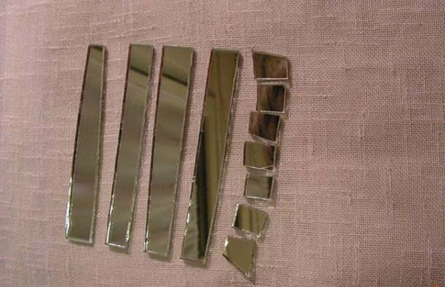 самодельная мозаика из кусочков зеркал