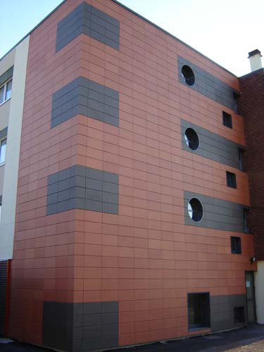 терракотовая плитка на фасаде