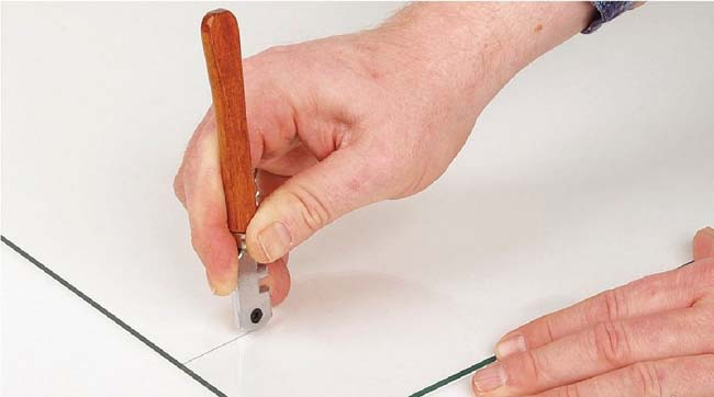 стеклорезом тоже можно резать плитку