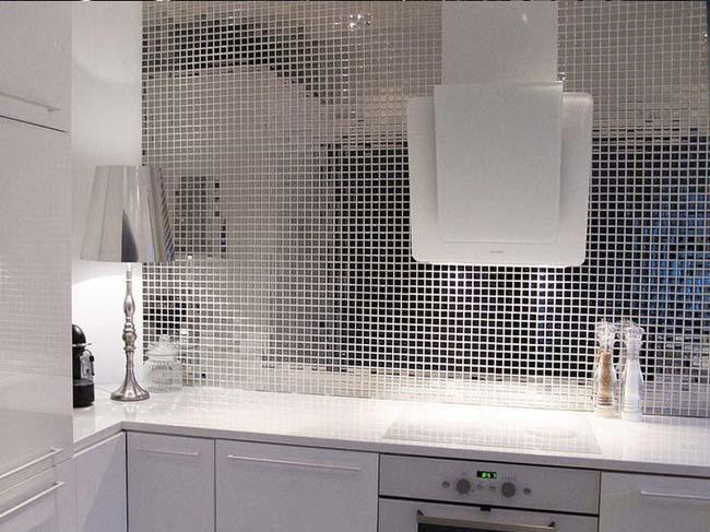 зеркальная мозаика в ванной комнате