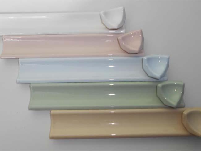 типы керамических плинтусов для ванной комнаты