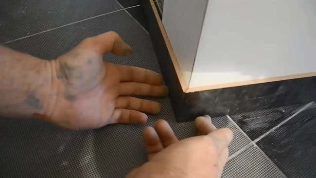 самодельный плинтус из керамической плитки