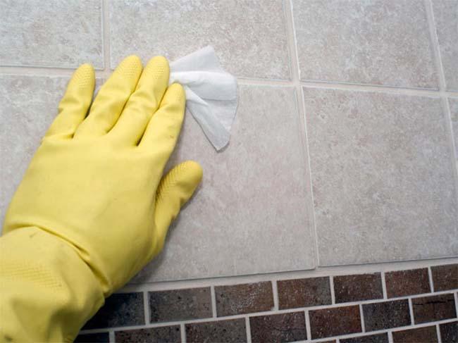 чистим плитку от грунтовки