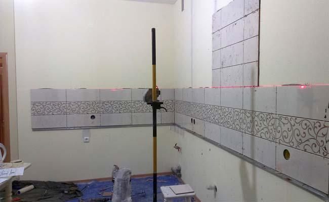 фартук в кухне это украшение и защита стен от жира