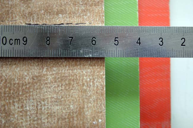 размер плитки замеряем линейкой