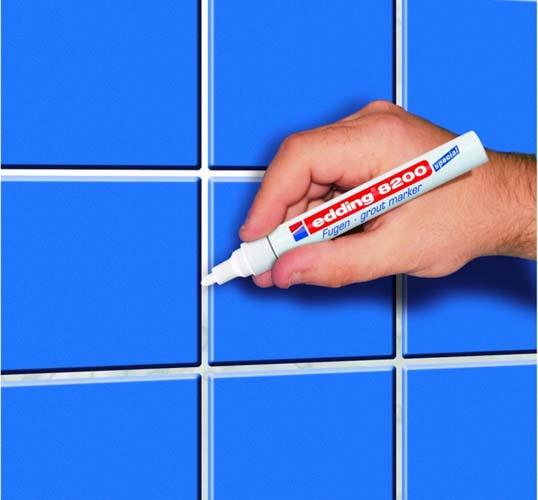 закрашиваем швы маркером с краской