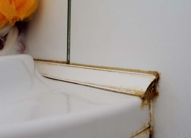пластиковый плинтус в ванной