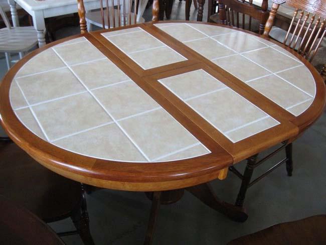 очень красивый стол из плитки