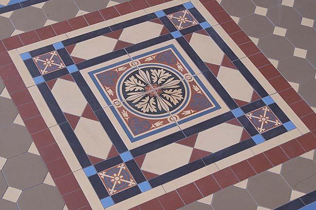 орнамент метлахской плитки похож на орнамент ковра