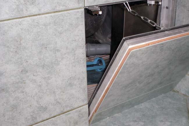 люк невидимка в туалете