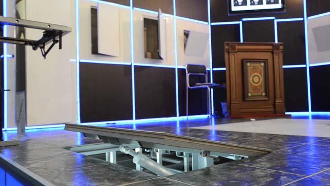 ревизионный люк под плиткой на полу